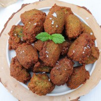 egyptian style falafels (with broad beans)