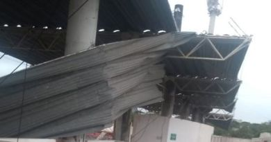 "Temporal danifica a ""cobertura"" do Estádio Dr. Waldemiro Wagner"