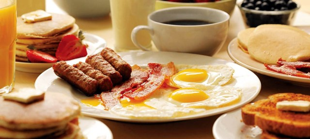 Завтраки в кафе: оборудование и меню