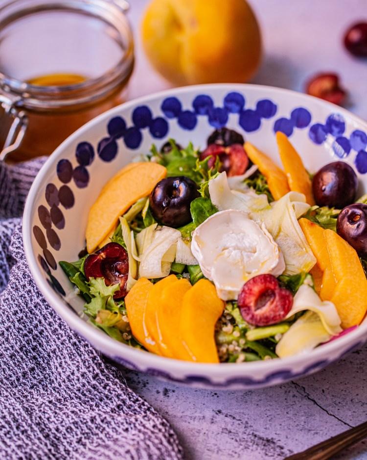 Ensalada de quinoa y frutas de verano