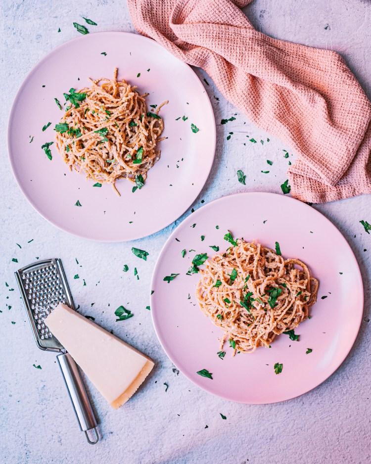 Pasta con salsa de nueces: receta de pasta sencilla