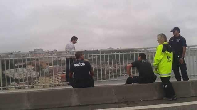 suicidio-pontes-porto