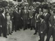 1958-10-05 Romagem ao cemitério do Alto de S. João, em Lisboa, nas celebrações do 5 de Outubro
