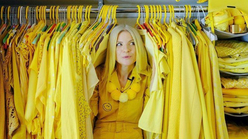 O curioso mundo das mulheres que usam a mesma cor todos os dias