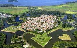 Naarden cover Amag Castles Gardens 2015