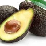 Reteta: Crema de avocado cu banane, pere si pudra de roscove