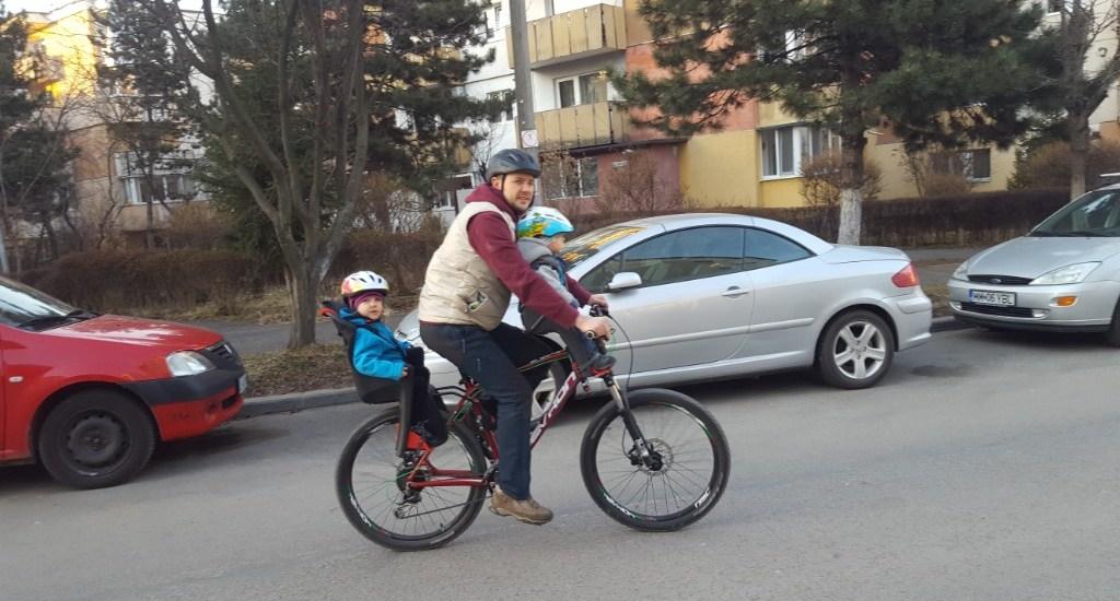 Aventuri in cinci Tatic in paterntate