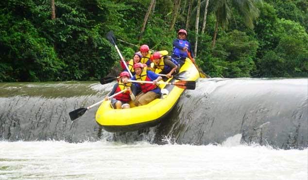 wisata-arung-jeram-sungai-ciberang