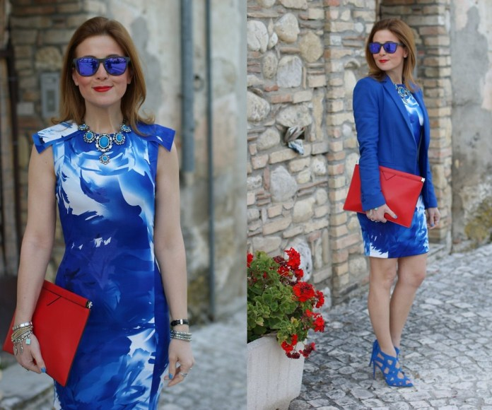 Fashion addict and blogger vale from Fashion and Cookies blog wears blue strappy heels with a blue print dress