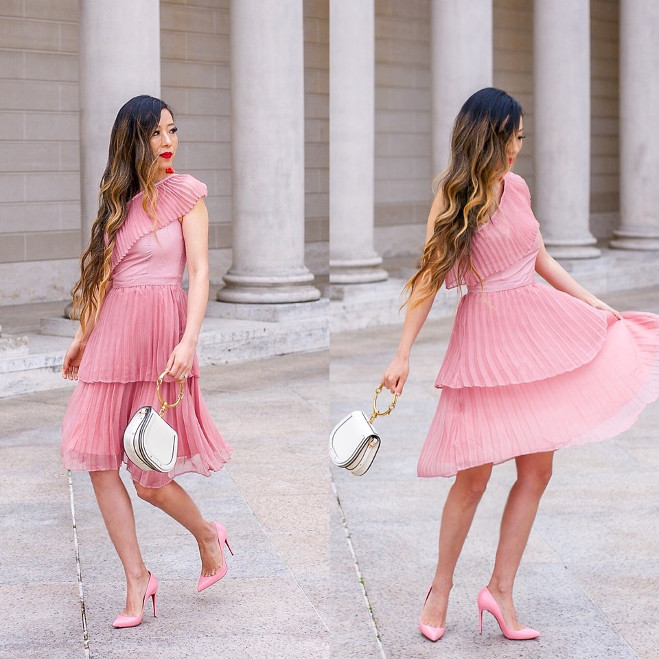 What color shoes to wear with a pink