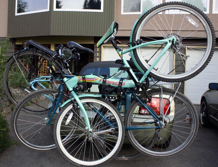 Three bikes on the Thule Helium Pro Bike Rack – not pretty, not easy – but possible