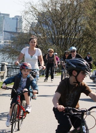 Cycling is a healthy and fun activity for children - how to encourage children to cycle