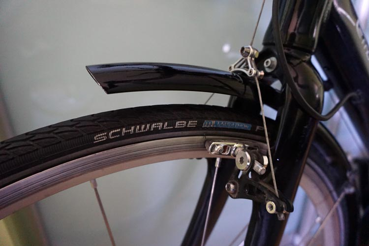 Tires – if the tires are really worn, the bike has seen a lot of use, and a decent set of tires will cost you quite a bit of money. Also, the tires should not be dried or cracked. How to buy a used bike online