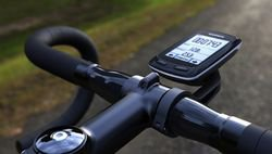 Carry your bike computer right in front, so it is easy and safe to look at it - Garmin Edge 510 vs 810 vs 1000