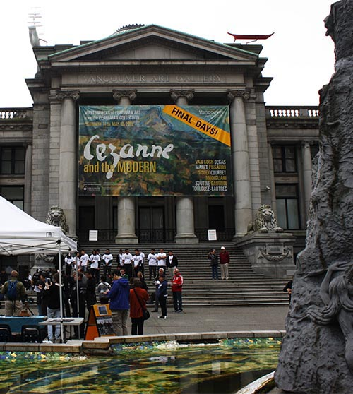 Vancouver Cycling - The Neo-Classical building that houses the Vancouver Art Gallery was built in 1906 and was home to the Law Courts of British Columbia until 1983, when Robson Square was completed and the Law Courts moved down the road