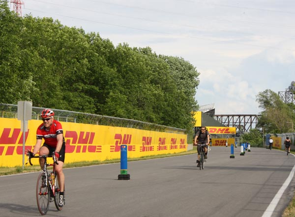 The Gilles Villeneuve Circuit attracts all kinds of cyclists - Montreal cycling