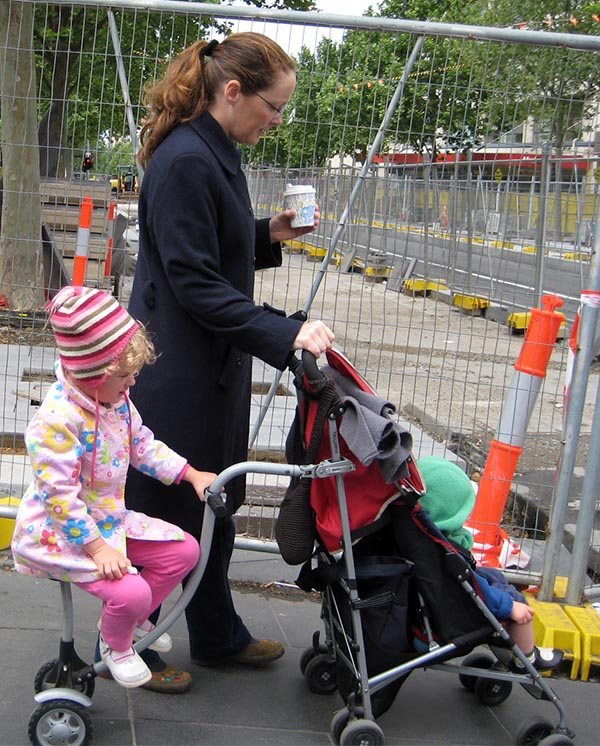 We saw lots of commitment to cycling in Melbourne - such as this young mom, teaching her daughter to ride with quite an ingenious bike-contraption attached to a stroller