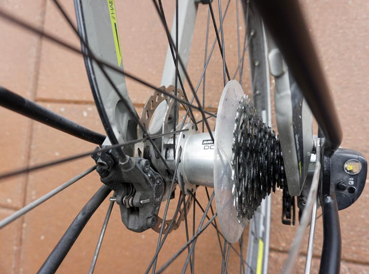 Here are seven cogs at the rear of my bike, which give me a choice of seven rear gears. How to Change Gears on a Bike