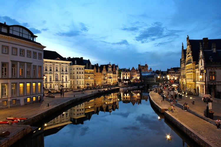 Belgium's most beautiful cycling course, the Tour of Flanders, is just 50 km - or a 20 minute train ride - away from iconic medieval cities like Ghent and Bruges. This is Ghent
