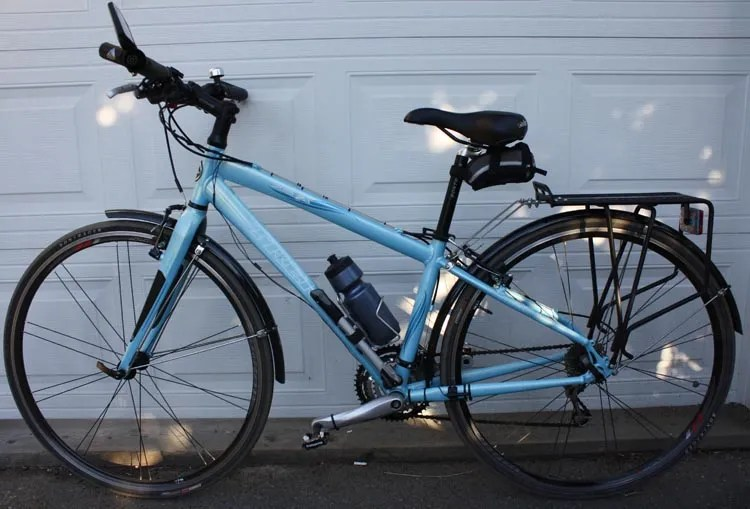 Have at least one photo of the bike, and make sure it looks like your own photo. A stock photo from the Internet may be quite impressive, but it does not reassure the potential buyer that the bike is really yours