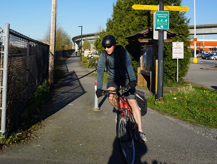When you first start bike commuting, make sure you are very clear on your route. 10 most important things tips for bike commuting