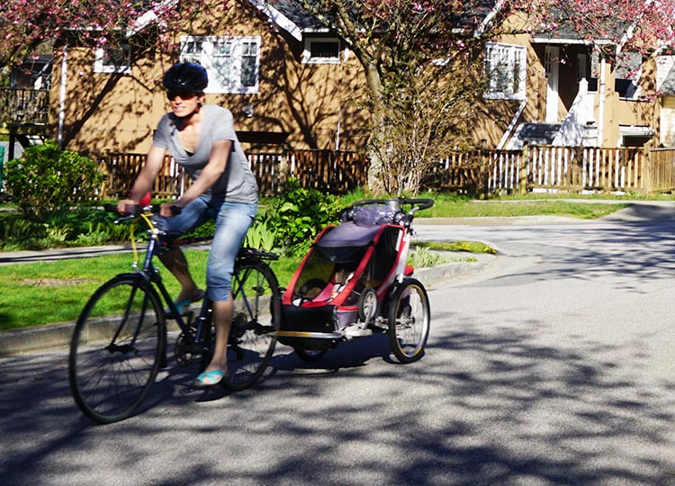 I see parents transporting their children on bikes all over Metro Vancouver these days! how to safely transport kids on bikes