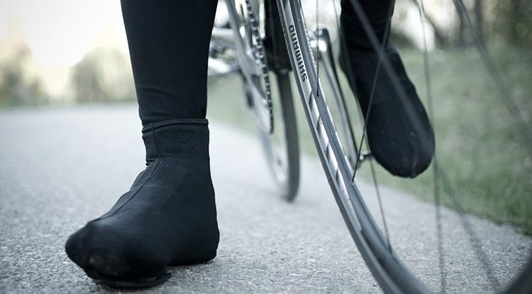 How to keep your feet warm for winter cycling
