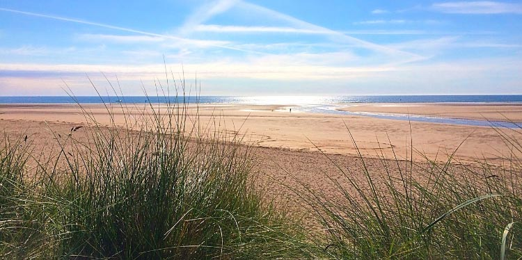 Start off from Alnmouth to Bamburgh, enjoying gorgeous scenery all the way