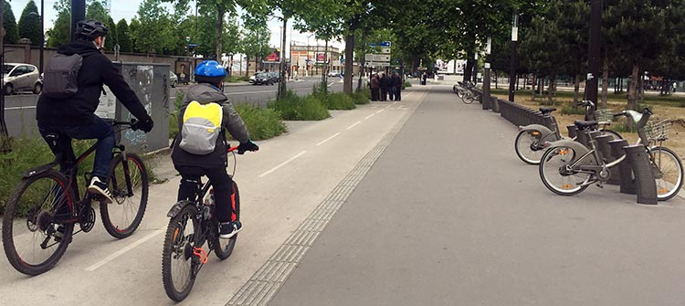 I did see children cycling in the suburbs, where there were frequently separate bike lanes. How to Use a Velib Bike in Paris