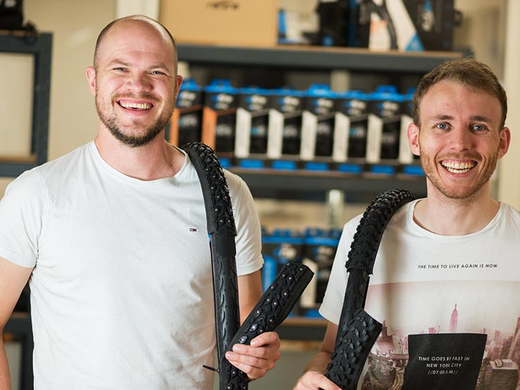 Introducing reTyre – Skins for Bike Tires! Enter to win a set. Founders of reTyres: Sigmund Andenes (CTO) and Paul Amundsen (CEO)