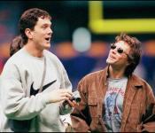 New England Patriots quarterback Drew Bledsoe (L)