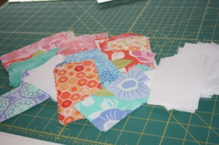 Avery Lane Blog sewing tutorial : Zigzag (or Chevron) stripe doll quilt
