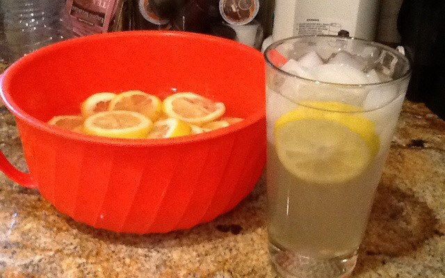 Fresh Lemonade, or, What to do with that big bag of lemons you justbought at Costco or Sam's Club