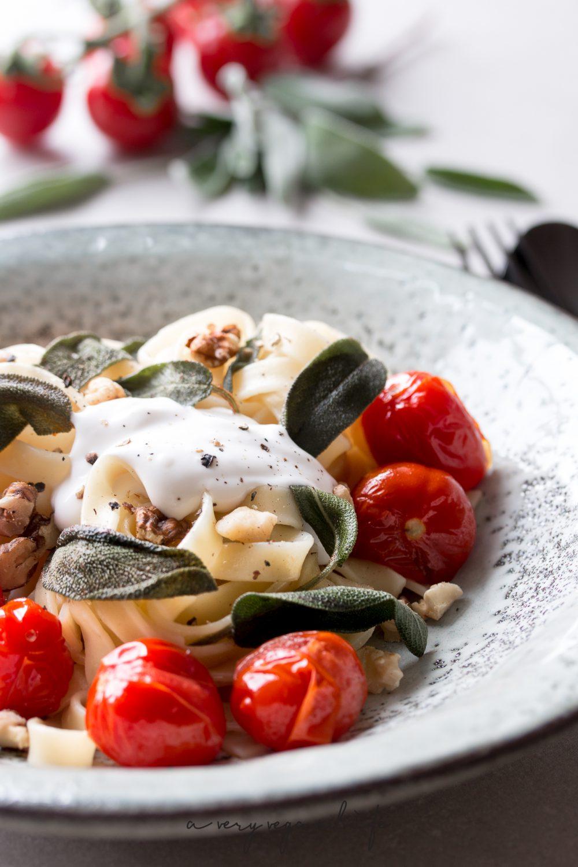 Mein Rezept für Vapiano - Pasta mit Kirschtomaten, Salbei und Walnüssen