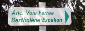 panneau indiquant la voie verte sur l'ancienne voie ferrée