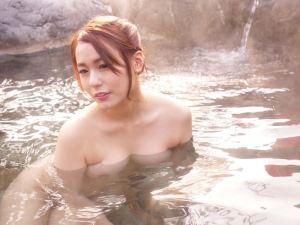 いずみ美耶 お湯を弾くような玉の肌と美巨乳を惜しげもなく・・・