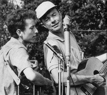 Bob Dylan performs with Pete Seeger
