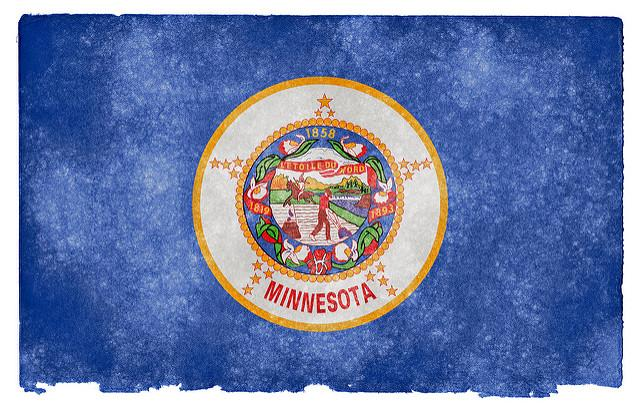 Minnesota%27s+flag+created+to+look+vintage.