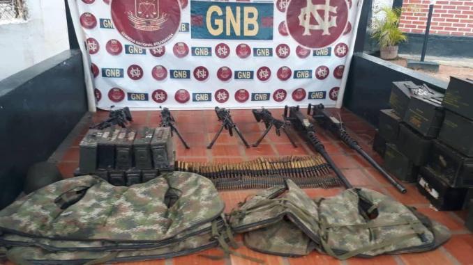 Des mercenaires américains ont abandonné des armes et des bateaux militaires fuyant les militaires vénézuéliens et russes