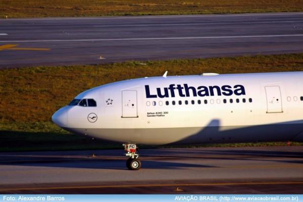 Lufthansa com Airbus A340 no Rio de Janeiro