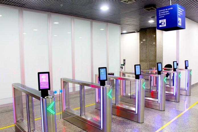 Como Fortaleza e Porto Alegre estão reduzindo as filas para entrada dos passageiros?