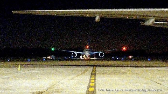 13ABR 787 American en Ezeiza Marcos Funes 02