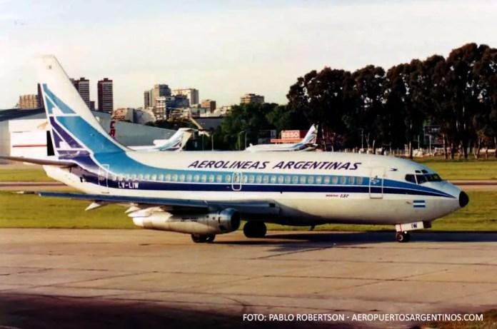 Aerolineas Argentinas Boeing 737-200 LV-LIW