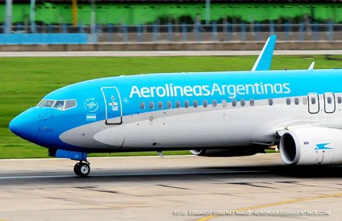 Aerolineas Argentinas - Boeing 737-800 LV-CXT