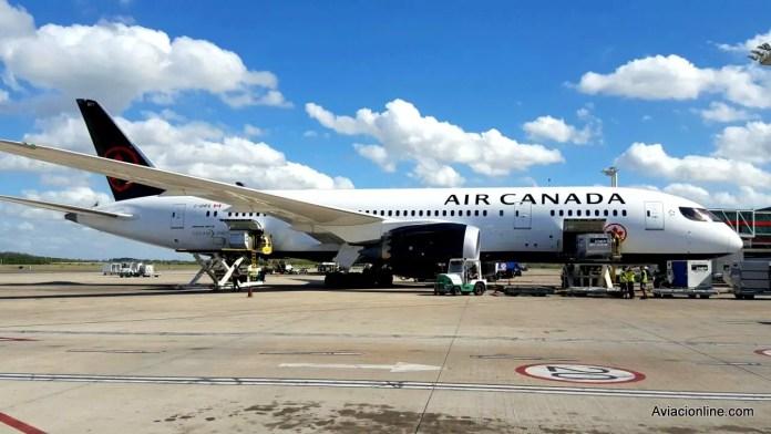 Boeing 787-8 de Air Canada en el aeropuerto de Ezeiza.