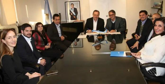 Aerolíneas Argentinas - Ministerio de Turismo acuerdo 21JUN
