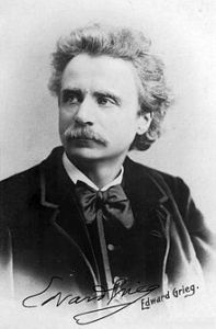 220px-Edvard_Grieg_(1888)_by_Elliot_and_Fry_-_02
