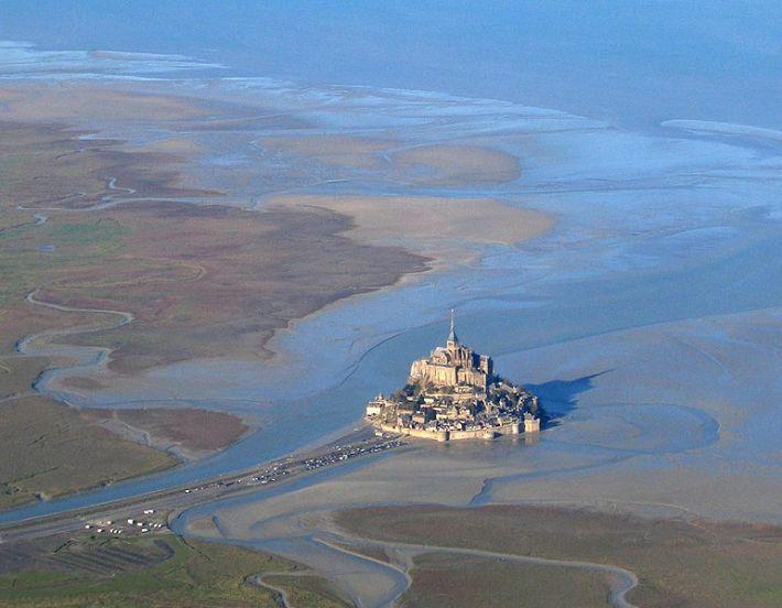 Fotografia aérea de 2005, tirada na maré baixa. Obrigado a Wikimedia Commons