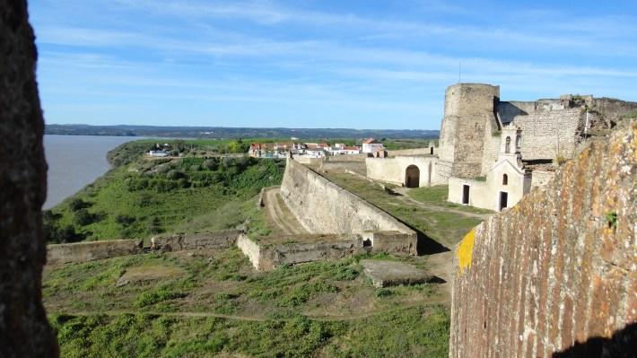 Amurallamiento y construcciones interiores del Fuerte de Juromenha