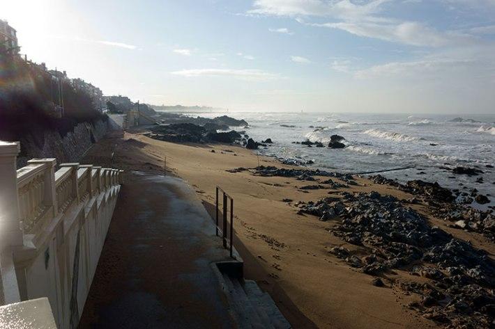 A Praia de Gondarém, com muito mais areia do que tinha na altura, mas com as rochas à mostra (na época de praia enchem o espaço com areia que tapa as rochas)
